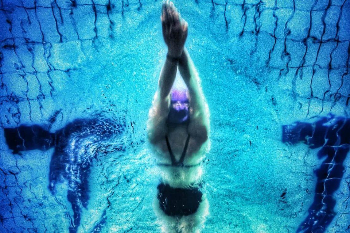 ¿Te duelen los hombros cuando nadas?